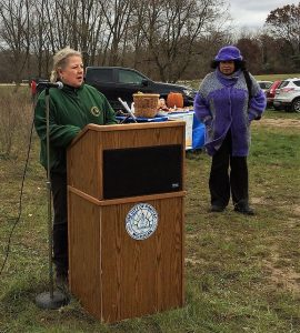 Merrie Carlock, Grant Coordinator with the Michigan DNR and Pontiac Mayor Deirdre Waterman - Photo by Sonya Julie